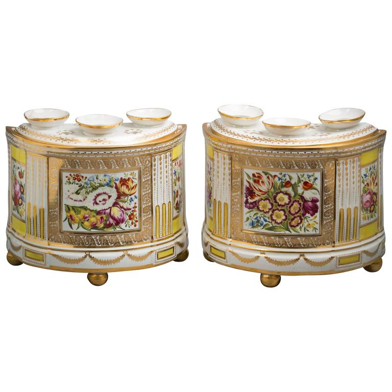 Pair of English Porcelain Demilune Boughpots and Covers, Coalport, circa 1820 For Sale