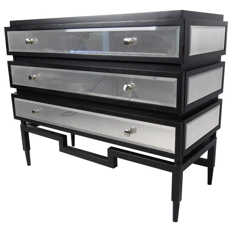 Stylish Modern Three-Drawer Dresser with Mirror Finish