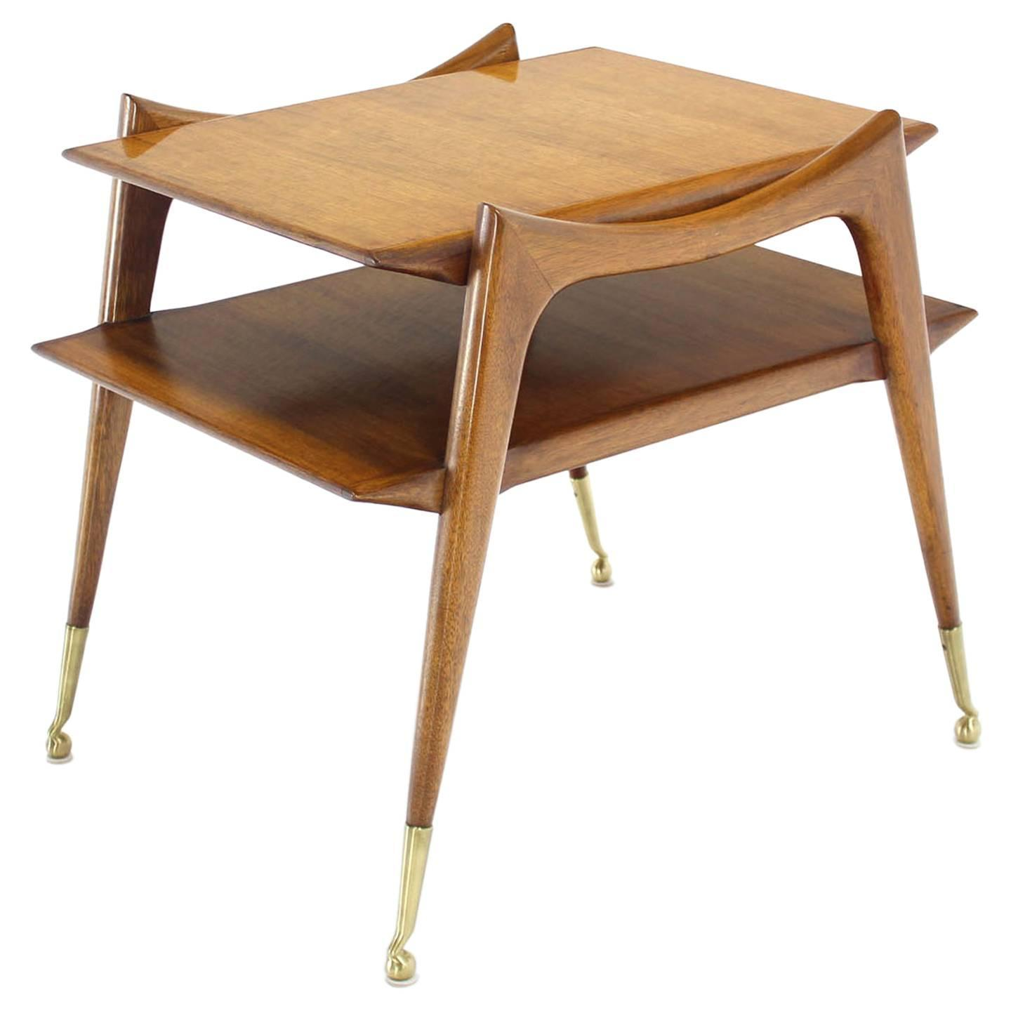 Mid-Century Modern Sculptural Legs Side Table For Sale at 1stdibs