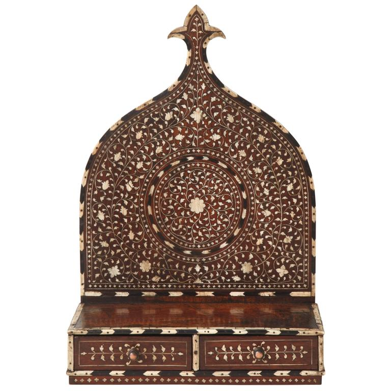 Mid-19th Century Anglo-Indian Turban Stand 1