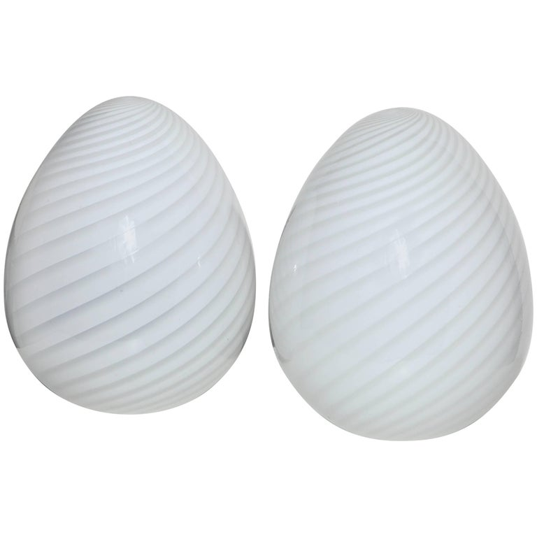 "Pair of Itri Vetri Murano Hand Blown Swirl White Art Glass ""Egg"" Table Lamps For Sale"