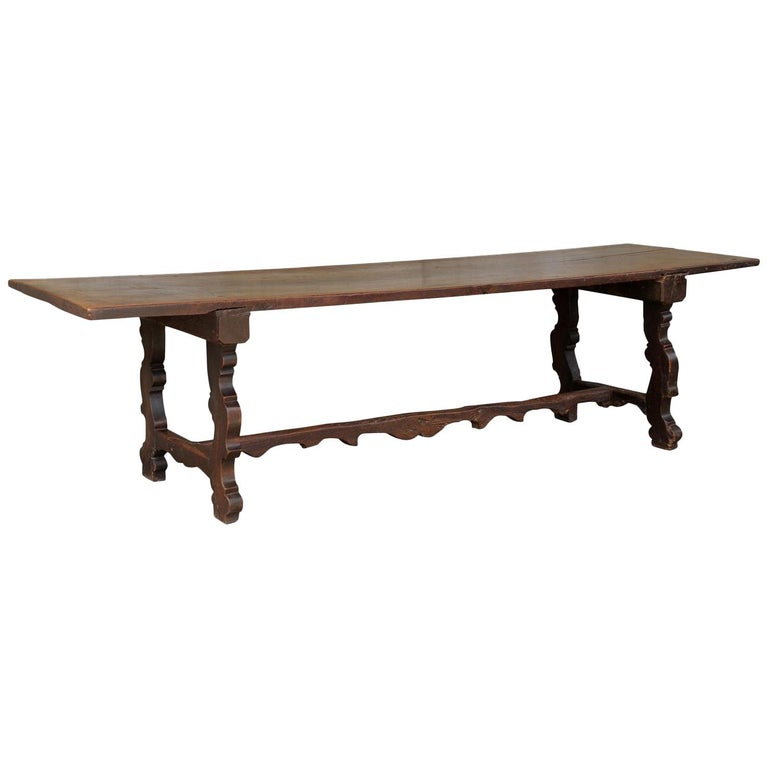 18th Century Italian Walnut Dining Table For Sale