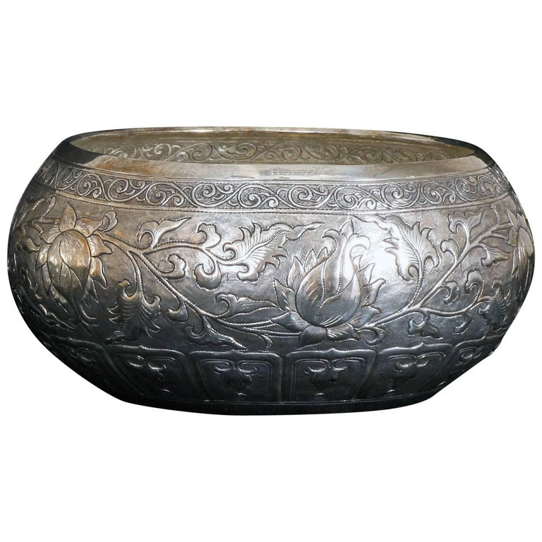 Contemporary hand worked solid silver bowl chinese floral
