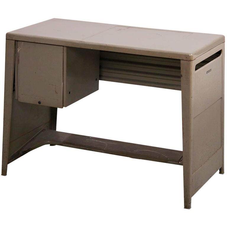 Ladies Desk by Olivetti Synthesis in Metal