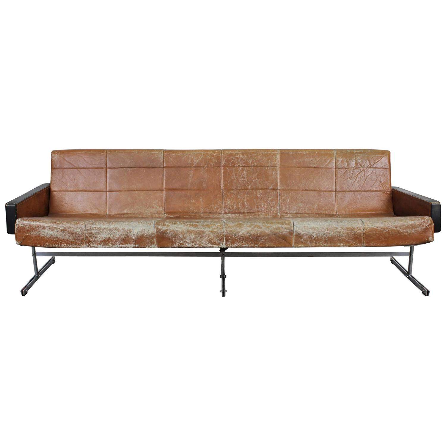 mid century modern rosewood and leather sofa at 1stdibs