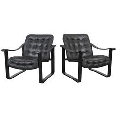 Mid-Century Modern Pair of Black Tufted Leather Safari Style Chairs