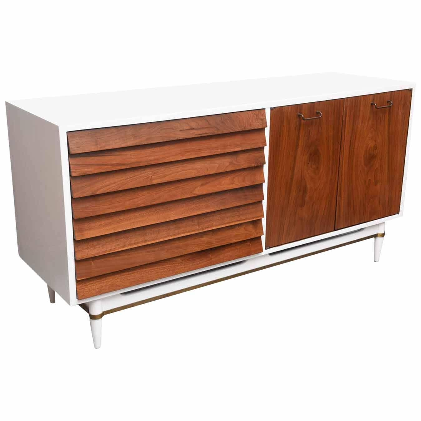 Martinsville White Lacquer And Walnut Credenza With Brass Trim 1960s Usa At 1stdibs