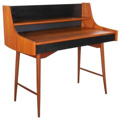Ola Desk by John Texmon