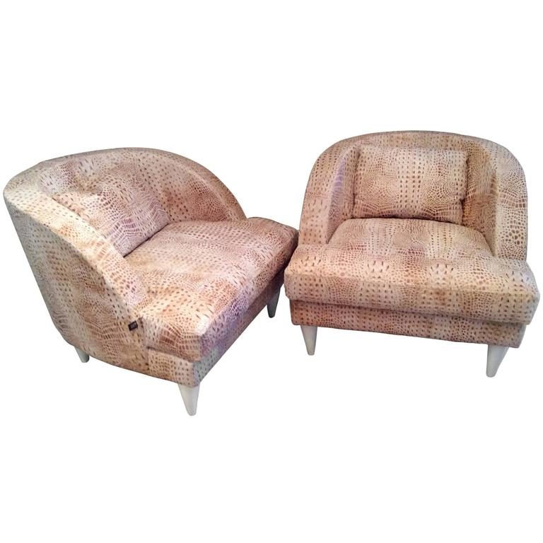 Large and comfortable pair of armchairs at 1stdibs for Large comfy armchairs