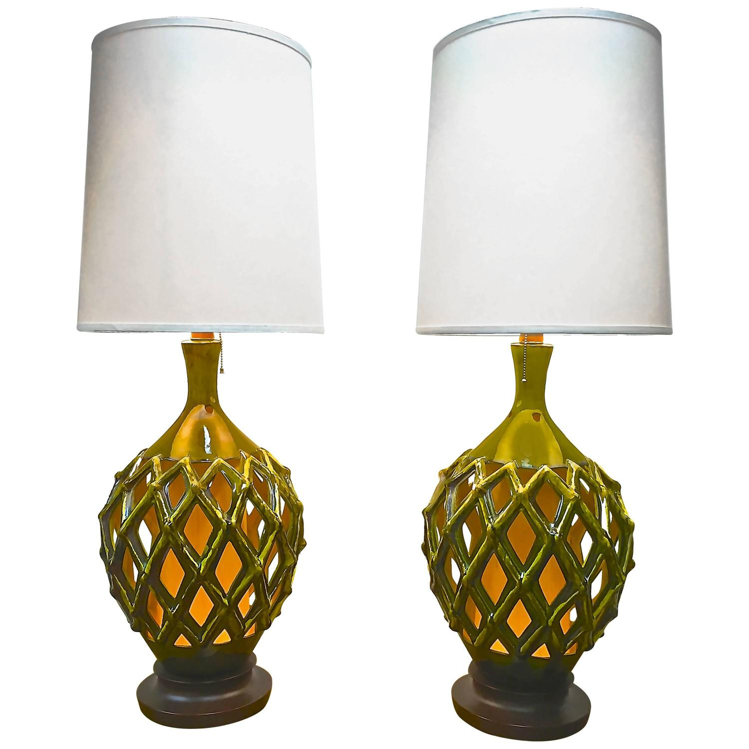 mid century modern ceramic lattice lamps at 1stdibs. Black Bedroom Furniture Sets. Home Design Ideas