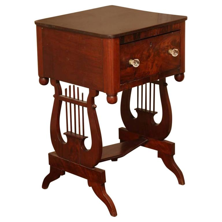 New York Classical Mahogany Lyre-Support Table For Sale