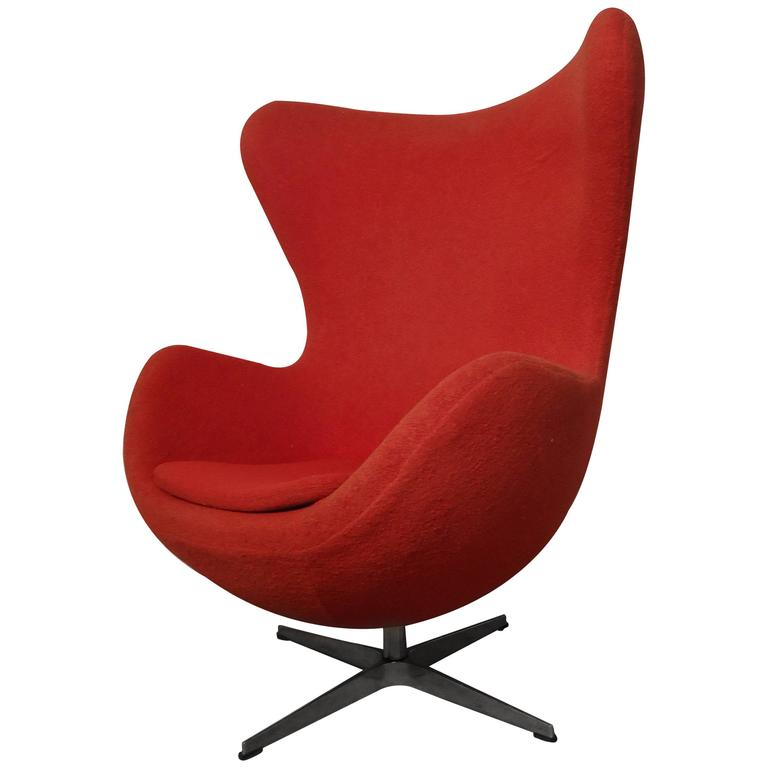 midcentury egg chair by arne jacobsen at 1stdibs. Black Bedroom Furniture Sets. Home Design Ideas