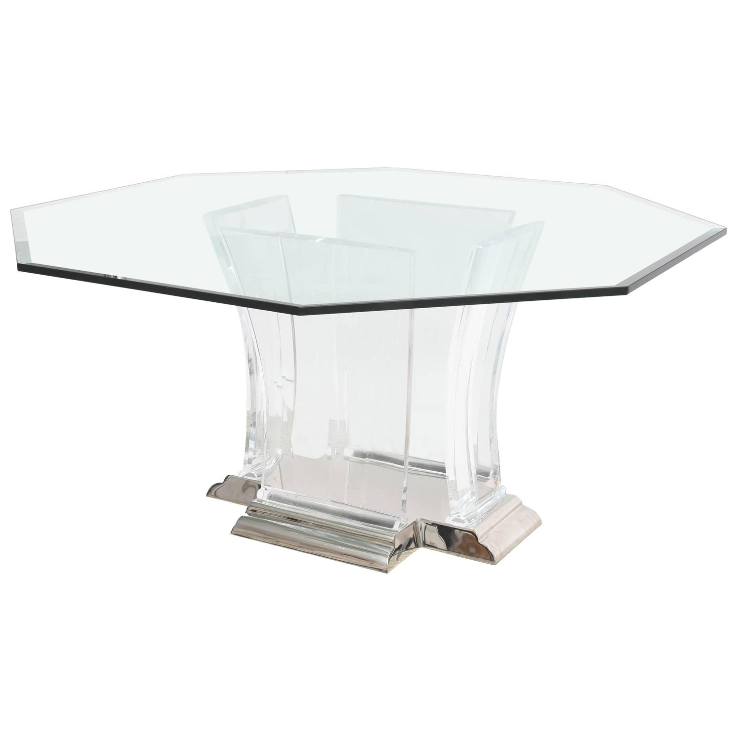 Octagonal dining table in lucite glass and polished for Limited space dining table