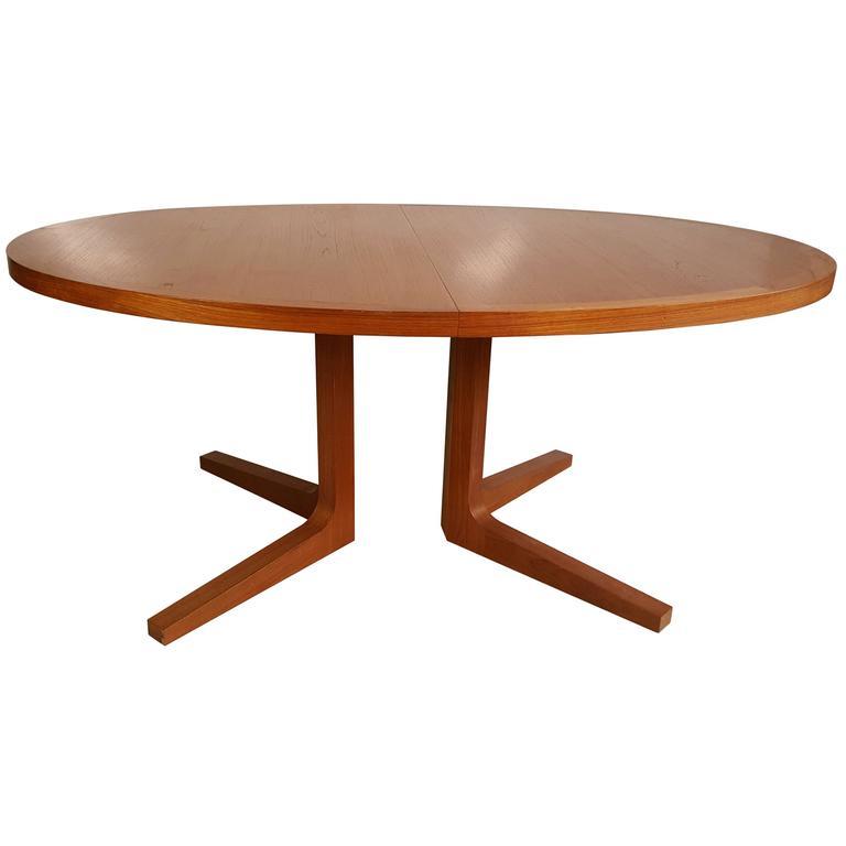 Danish Modern Expandable Teak Trestle Table G Plan  : 3913852l from www.1stdibs.com size 768 x 768 jpeg 19kB