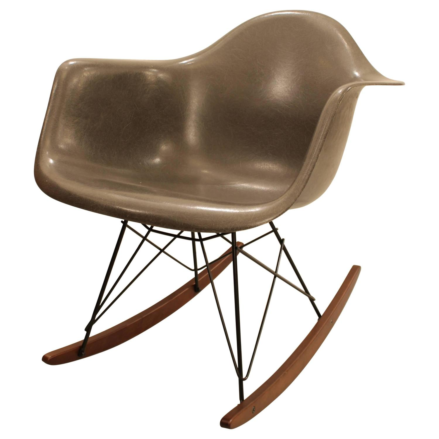 charles eames rocking chair elephant grey at 1stdibs. Black Bedroom Furniture Sets. Home Design Ideas