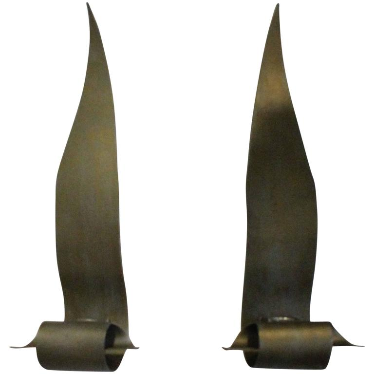 Wall Sconces With Leaves : Pair of Brutalist Brass Leaves Wall Light Sconces Leaf Metal For Sale at 1stdibs