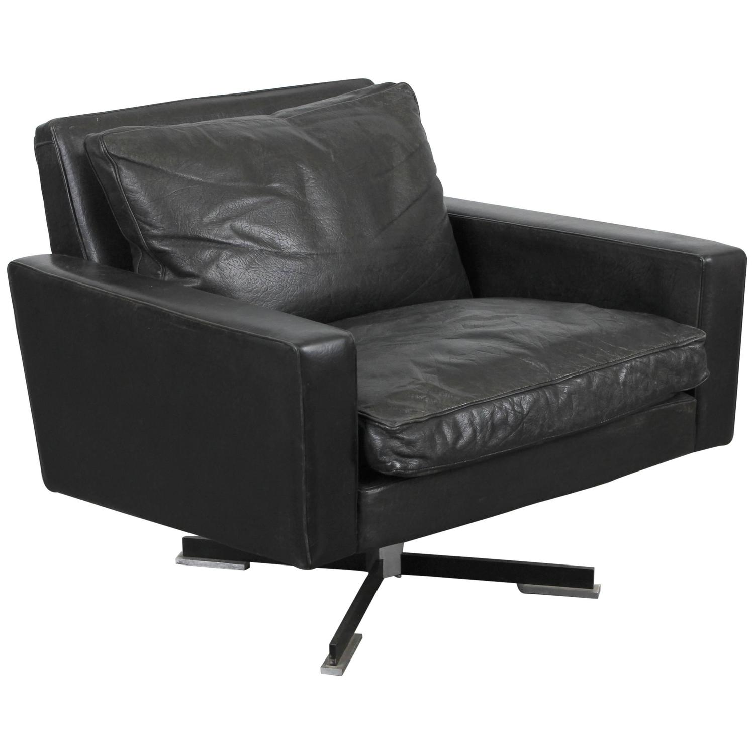 Mid century modern black leather swivel chair for sale at for Mid century modern leather chairs