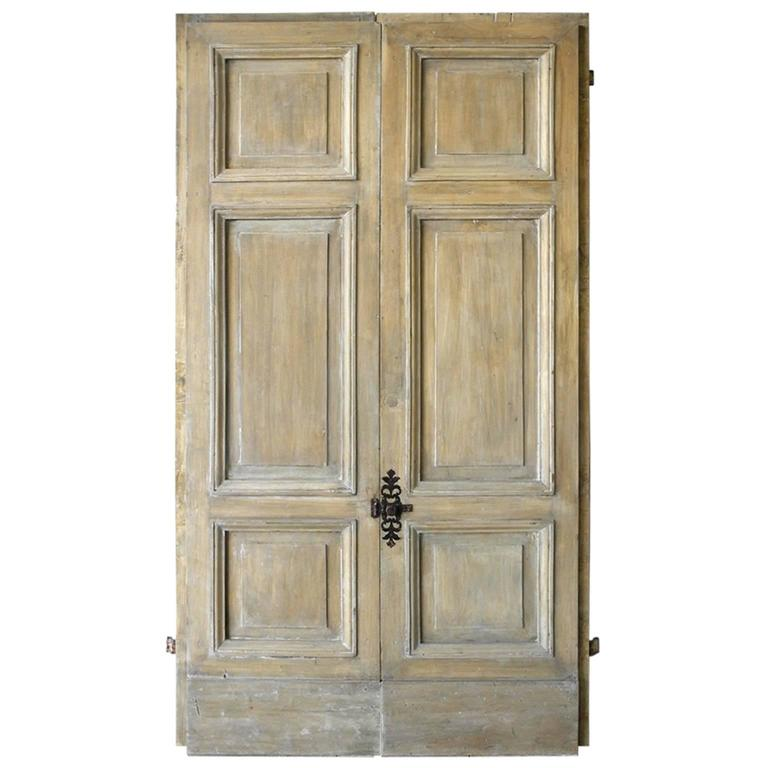 Pair of Antique Italian 18th Century Wooden Doors with Panelling & Iron  Hardware For Sale - Pair Of Antique Italian 18th Century Wooden Doors With Panelling And