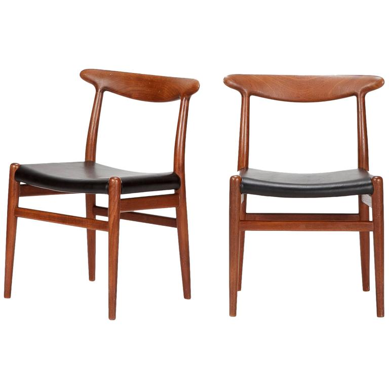 Pair of Hans Wegner Dining Chairs W2 for C.M. Madsen, 1950s For Sale