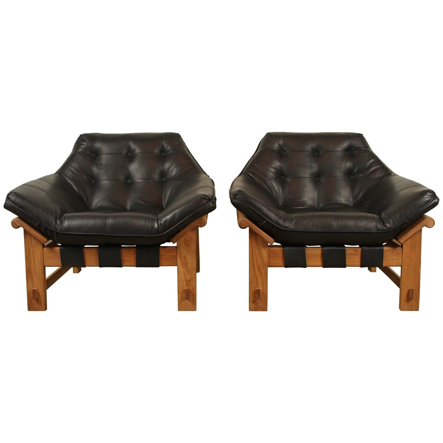 Antique lounge chairs - Pair Of Ojai Lounge Chairs By Lawson Fenning