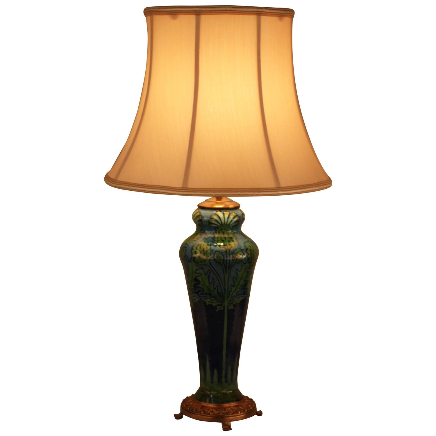 french art deco pottery table lamp at 1stdibs. Black Bedroom Furniture Sets. Home Design Ideas
