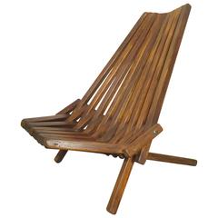 Attractive Mid-Century Folding Slat Chair