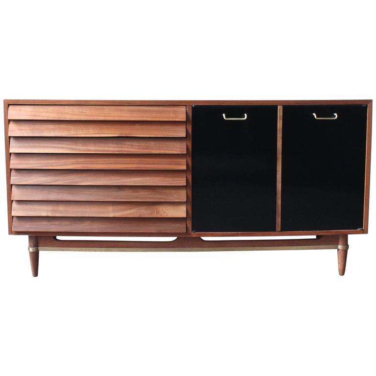 Mid century walnut dresser by american of martinsville at for Mid century american furniture