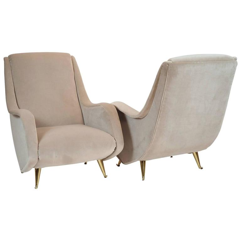 Charming and comfortable armchairs.