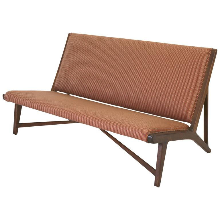 "Hans Wegner ""Model Jh555"" Oak Settee for Johannes Hansen  For Sale"