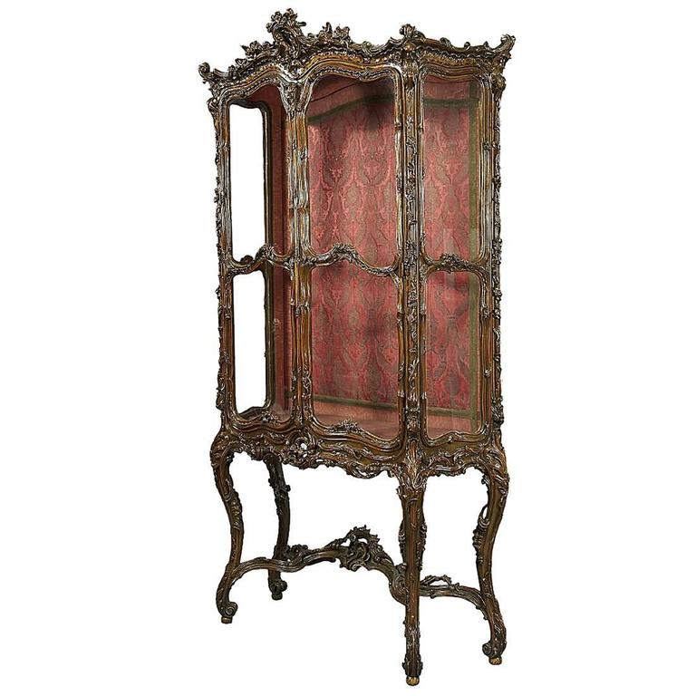 French Louis XV Style Giltwood Ornately Carved Two-Door Vitrine Display Cabinet