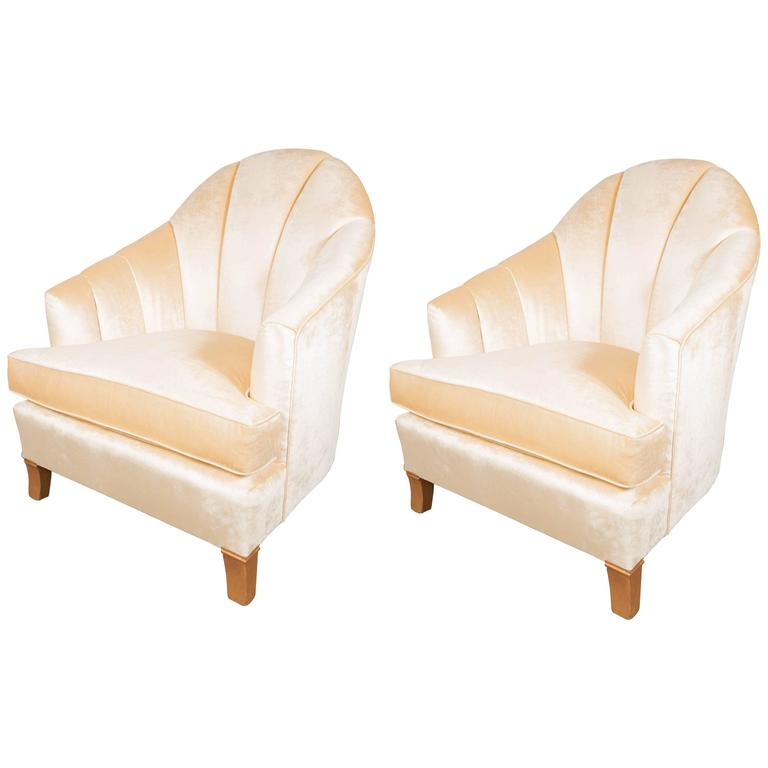 Charming Elegant Pair Of Channel Back Art Deco Club Chairs In Cream Oyster Velvet  For Sale