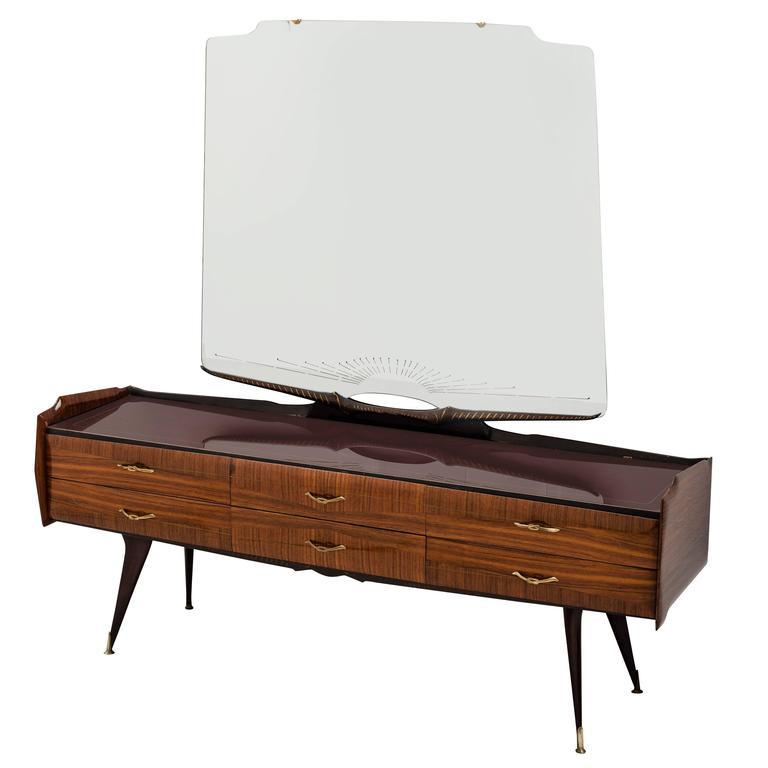 Splendid Italian Dresser in the Style of Paolo Buffa, circa 1950s