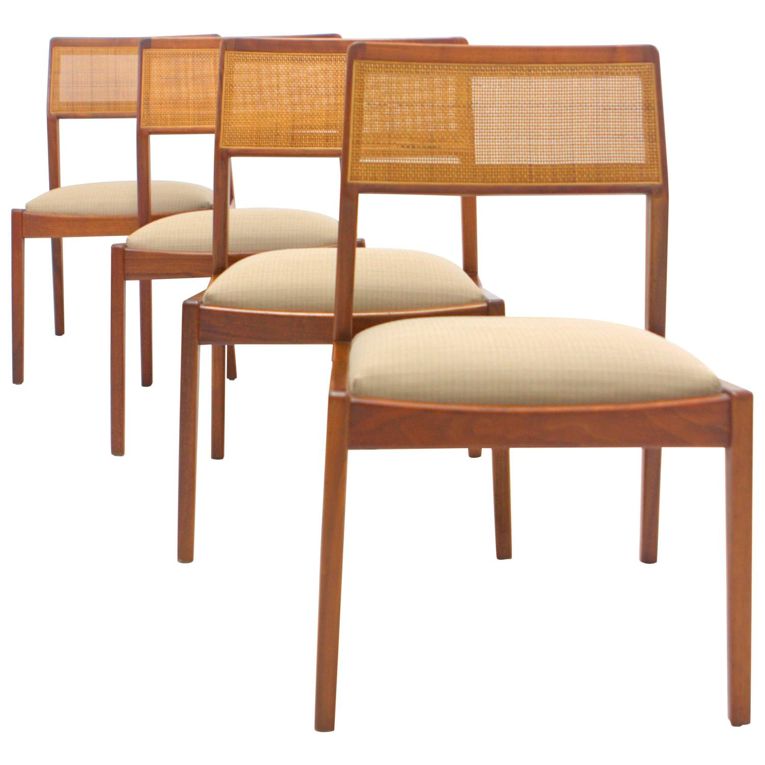 Jens Risom Side Chair Jens Risom Walnut Playboy Chairs Set Of Four At 1stdibs