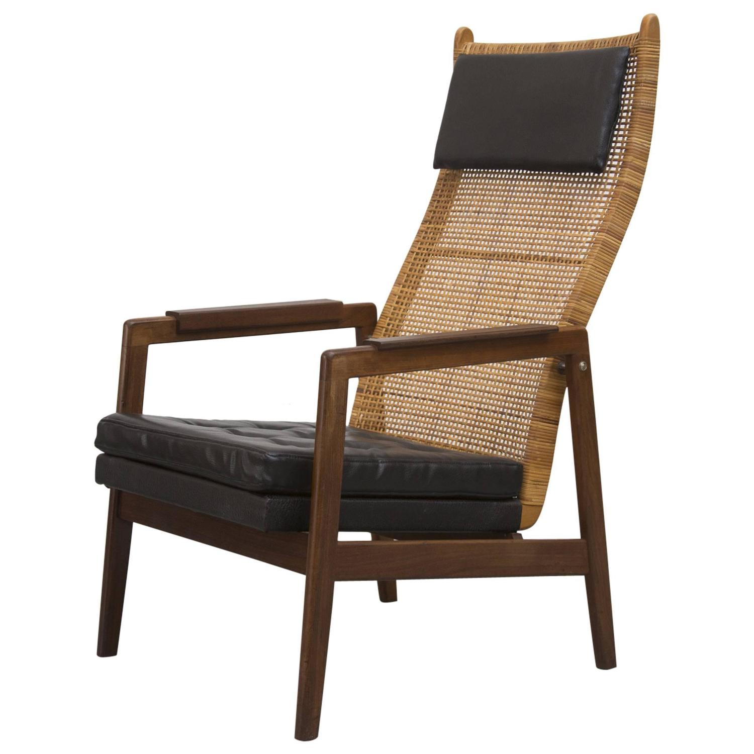 P J Muntendam Mid Century Rattan Lounge Chair at 1stdibs