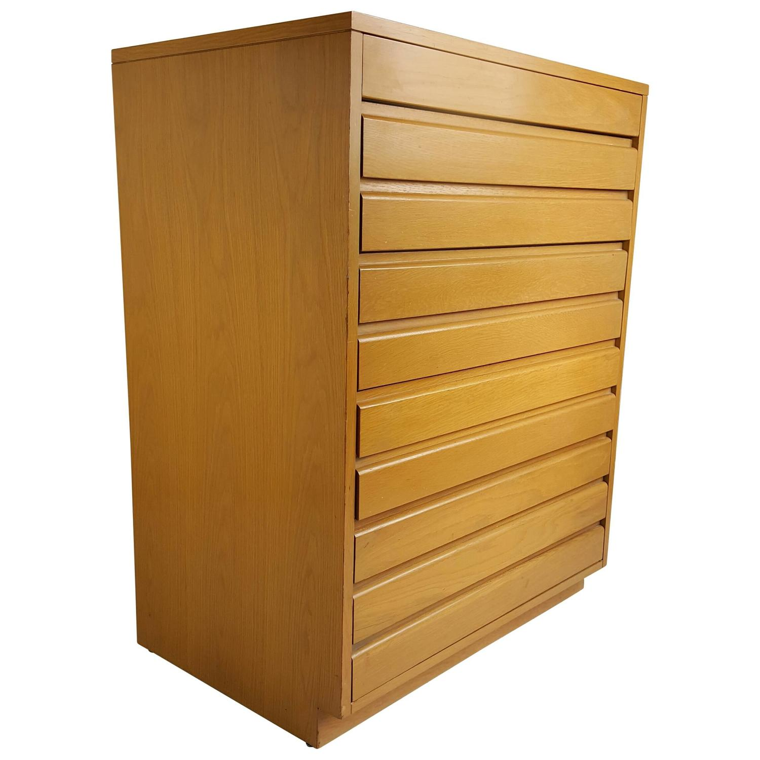 Modernist Five-Drawer Chest of Drawers, Sligh Furniture For Sale at 1stdibs - Modernist Five-Drawer Chest Of Drawers, Sligh Furniture For Sale At