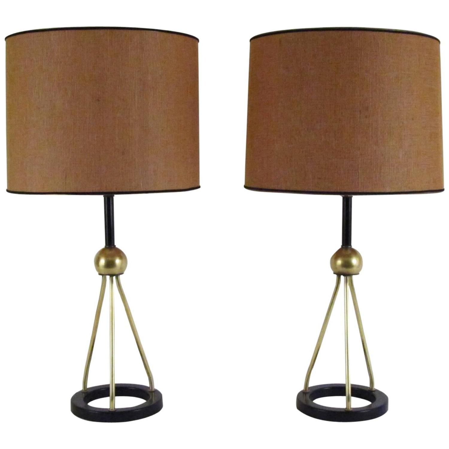 pair of 1950s modern table lamps at 1stdibs. Black Bedroom Furniture Sets. Home Design Ideas