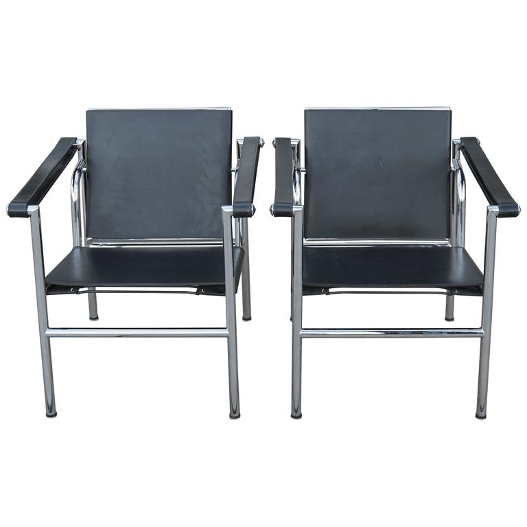 Pair of Le Corbussier Chairs, lc1