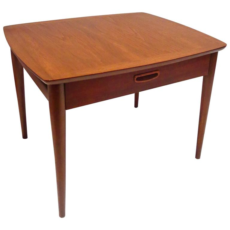 1950s Danish Modern End Table In Walnut With Drawer At 1stdibs