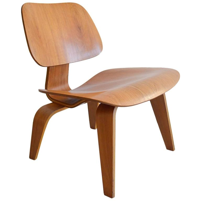 Bon Early Eames LCW Bentwood Chair For Sale