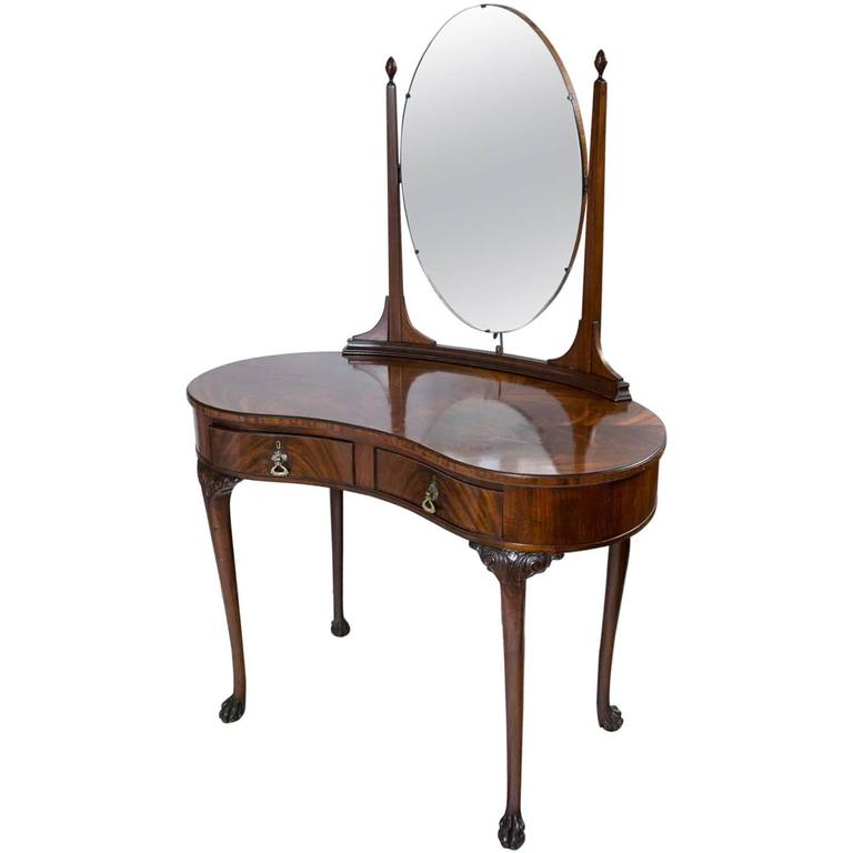 Queen Anne Flame Mahogany Kidney Shaped Dressing Table At