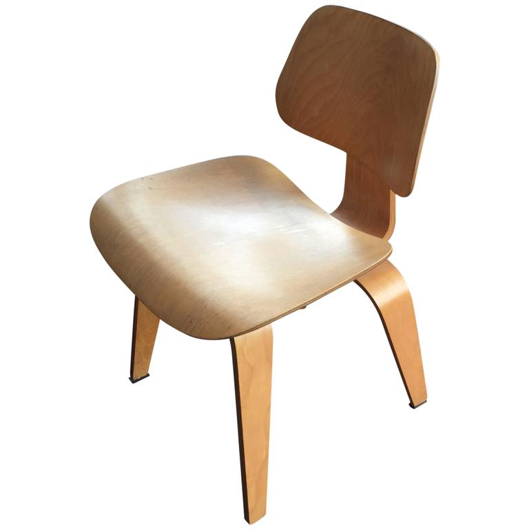 Vintage charles and ray eames dcw for herman miller at 1stdibs - Herman miller vintage ...