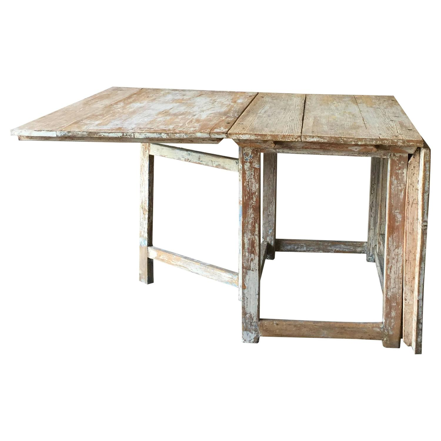 19th Century Swedish Painted Gate Leg Table For Sale At
