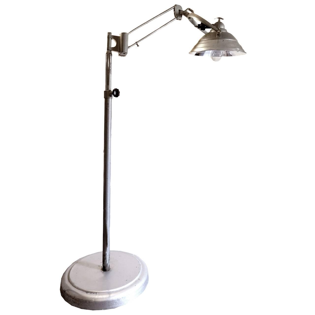 Large rolling articulated arm operating room lamp at 1stdibs for Led articulated floor lamp