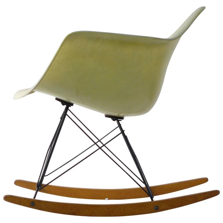 Early eames rocker at 1stdibs - Herman miller occasion ...