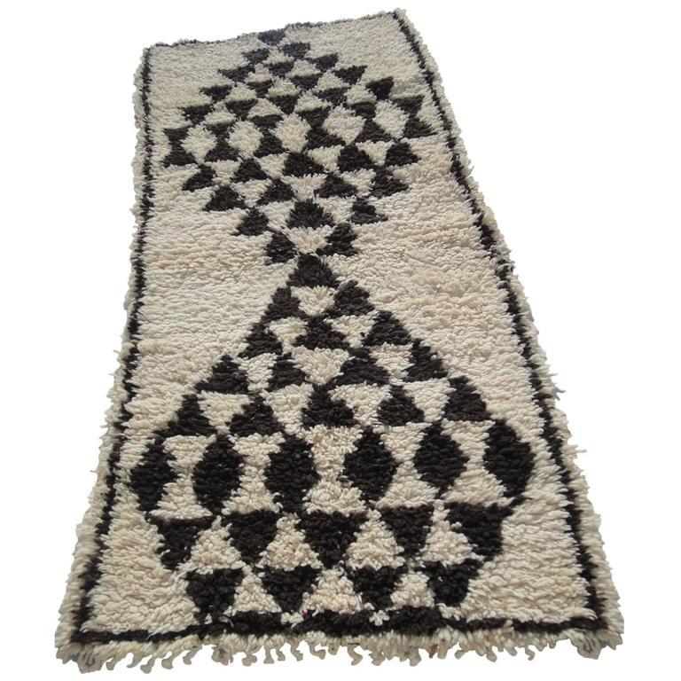 Beni Ouarain Rug Vintage Moroccan Natural Undyed Wool