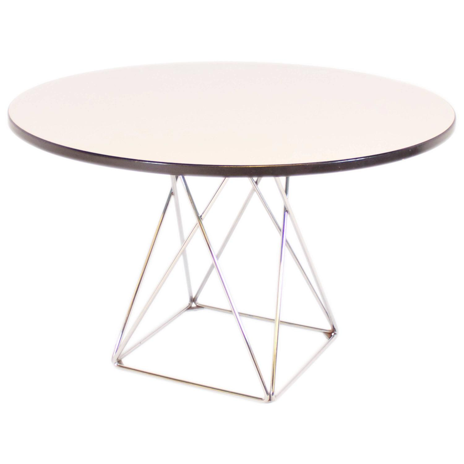 Extendable Round Bauhaus Dining Table by Thonet S1047 at 1stdibs