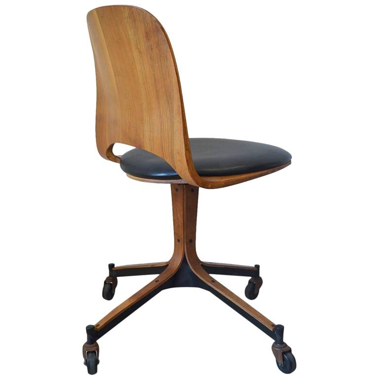 Swivel Desk Chair By George Mulhauser For Plycraft For Sale