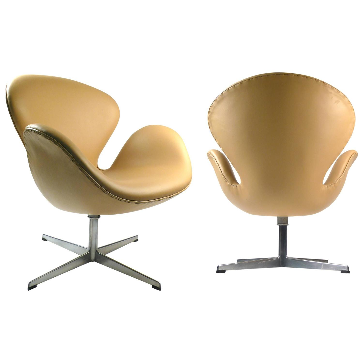 Early fritz hansen production swan chairs for sale at 1stdibs for Swan chairs for sale
