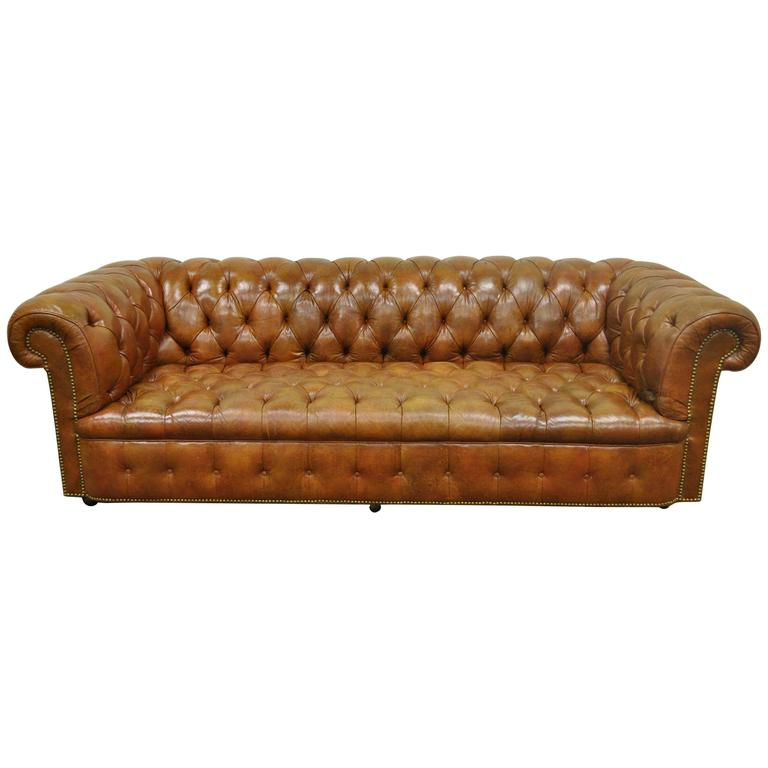 Henredon Rolled Arm English Style Button Tufted Brown Leather Chesterfield  Sofa For Sale