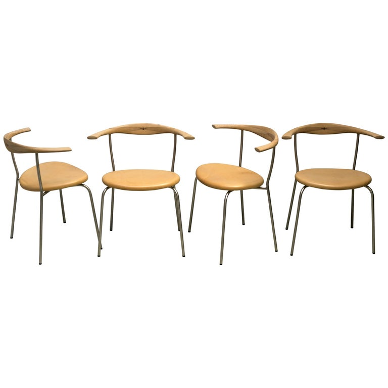 Set of Four Stackable Bull Horn Chairs, Model PP701 by Hans Wegner